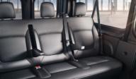 Opel_Vivaro_Combi_3Rd_Row_Seats_With_2_Armrest_992X425_Vi15_I01_725